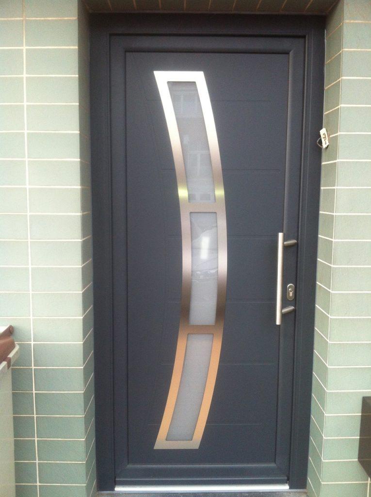 installation de la porte madine en alu dans la ville de phalempin nord 59 premium fermetures. Black Bedroom Furniture Sets. Home Design Ideas