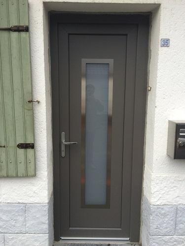installation de la porte pvc new york couleur gris quartz sur roncq premium fermetures. Black Bedroom Furniture Sets. Home Design Ideas